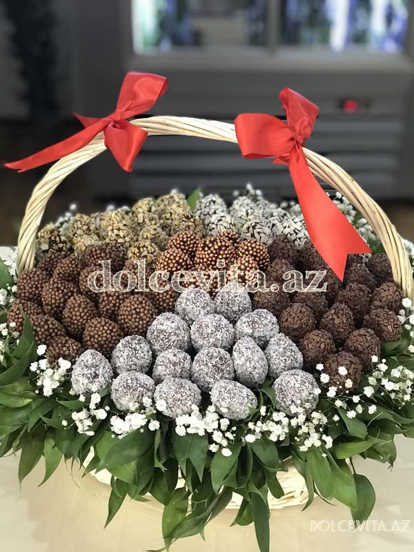 Choco strawberry in basket L