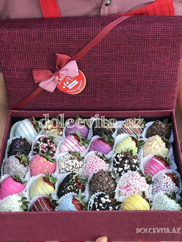 Special choco strawberry box 30 pieces