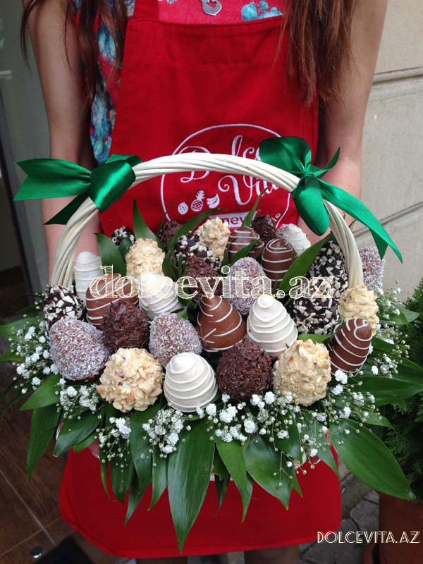 Choco strawberry in basket S
