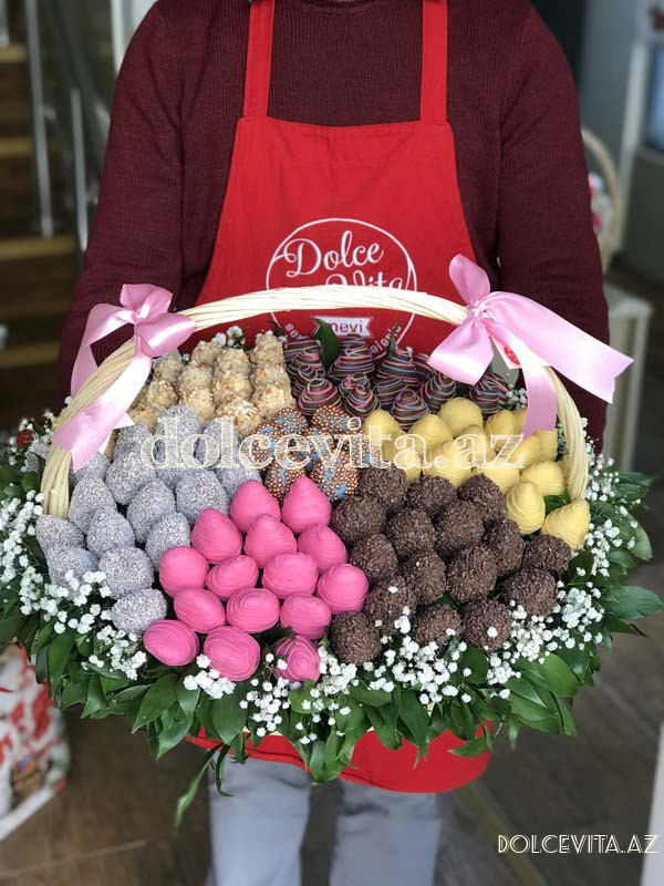 Choco strawberry in basket XL