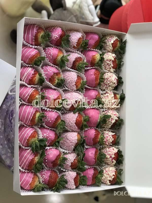 Choco strawberry box 40 pieces